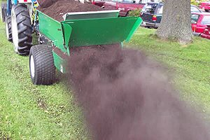 [Earth and Turf 320H Topdresser-Hydraulic drive Picture # 1]