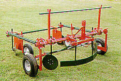 [MECHANICAL TRANSPLANTER Model 90 Picture # 1]
