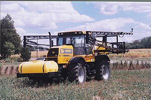 [Skid Sprayer for JCB Fastrac Picture # 1]